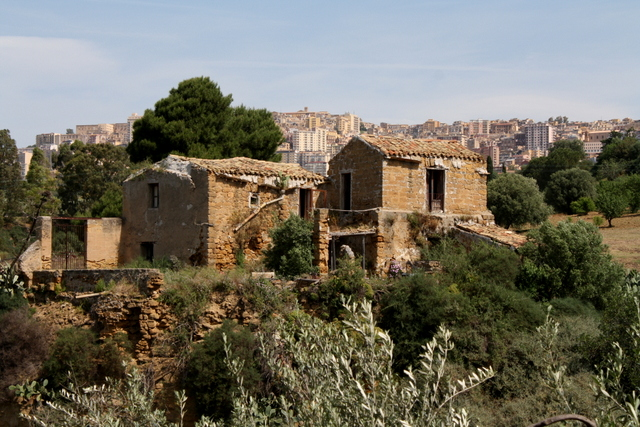 Old house at Valley of the Temples in Sicily - Grand Design?